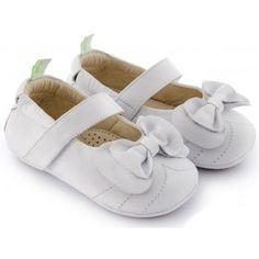 Sapatilha Infantil Fancy Branca em Couro Tip Toey Joey. Sapato bebê, Sapato Infantil, sapatinho, sapatinho de bebê, sapato de bebê, Roupas de Bebê, roupas Infantis, Fashion Baby, Fashion Kids, bebê roupas, roupas de bebê. www.boobebe.com.br