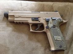 Survival Tips and Guides Weapons Guns, Guns And Ammo, Sig Sg 550, Bug Out Gear, Sig Sauer P226, Firearms, Shotguns, Tactical Life, Long Rifle