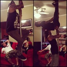Tony and Jaime working as strippers< don't care how crappy the dancing is I would pay for that