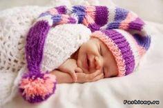 Интересные вязаные шапочки для малышей