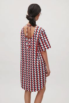 Oversized printed t-shirt dress - Red - Dresses - COS NL Fall Dresses, Knit Dress, Cover Up, Cold Shoulder Dress, Cos, My Style, Casual, Prints, T Shirt