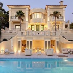 Mansions homes Dream house mansions Rich people lifestyle Mansions luxury Modern mansions House goals 15 Luxury Homes with pool millionaire lifestyle living in dream homes. Dream Home Design, Modern House Design, My Dream Home, Villa Luxury, Dream Mansion, Luxury Homes Dream Houses, Modern Mansion, Dream House Exterior, Pool Houses