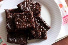 Pitadinha: Brownie de 3 ingredientes #semglúten #semlactose Light Diet, Low Carb Keto, Paleo, Food And Drink, Yummy Food, Cooking, Health, Desserts, Recipes