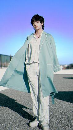 BTS V anniversary photoshoot by Naver x Dispatch. Bts Taehyung, Taehyung Photoshoot, Taehyung Gucci, Bts Jimin, Powerpuff Girls, Taehyung Fashion, K Pop, Kpop Fashion, Korean Fashion