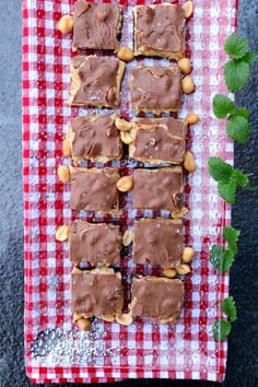 Sunnare snickerskonfekt-kake - LINDASTUHAUG
