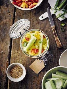 Ohne Senfgurken würde vielen Speisen der letzte Schliff fehlen - probiert unsere! #senfgurken #konservieren #edeka