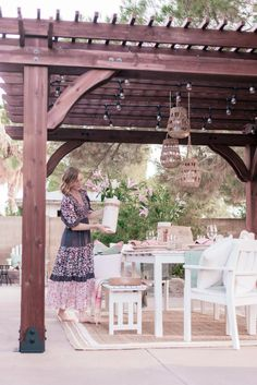 Our Backyard Patio Pergola Project: The Full Reveal! - Love and Specs Cottage Design, Cottage Style, Rustic Cottage, Patio Table, Backyard Patio, Dyi, Wood Pergola, Décor Boho, Backyard Makeover