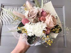 #トス用ブーケ #ミニ花束 #プリザーブドフラワー #ブライダルブーケ #ウエディング Minne, Floral Wreath, Wreaths, Home Decor, Floral Crown, Decoration Home, Door Wreaths, Room Decor, Deco Mesh Wreaths