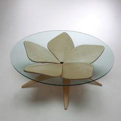 Table Basse Design Hana par Shige Hasegawa - D110 H35 - 1429€ - sodezign.com