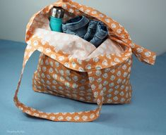 Threading My Way: Reusable Tote Bags Grocery Items, Reusable Grocery Bags, Stitch Box, Fabric Tote Bags, Types Of Bag, Repurposed Items, Simple Bags, Threading, Free Sewing