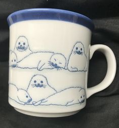 Ceramic Pottery, Pottery Art, Ceramic Art, Jolie Photo, Cute Mugs, Clay Crafts, Clay Art, Art Inspo, Tea Pots