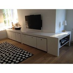 Blij met ons speelgoed/tv meubel wat ik heb ontworpen en mijn man gemaakt heeft, mooi samenwerkproject! #instahome #diy #opbergmeubel #opbergen #tvmeubel