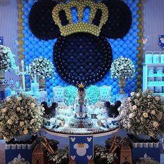 "Baseado na decoração medieval, maravilhosa essa festa com o tema ""Príncipe Mickey"", by @fabiodaltro"