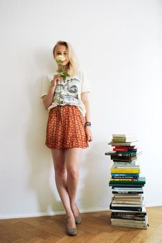 #Outfits  Cute Hipster Outfits : High waisted skirt t shirt books hipster indie