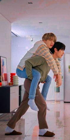 Foto Bts, Bts Taehyung, Bts Bangtan Boy, Jhope Bts, Fanart Bts, V Bts Wallpaper, Disney Wallpaper, Min Yoonji, Vkook