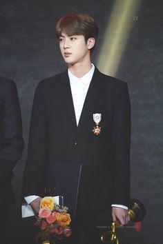 2018 Korean Popular Culture and Arts Awards Jung Kook Bts, Bts Jin, Jung Hoseok, Bts Bangtan Boy, Bts Boys, Seokjin, Kdrama, Les Bts, Arts Award