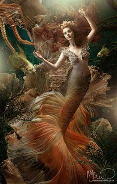 Mermaid with red hair :) ? Fantasy Creatures, Mythical Creatures, Sea Creatures, Siren Mermaid, Mermaid Fairy, Mermaid Top, Tattoo Mermaid, Vintage Mermaid, Fantasy Mermaids