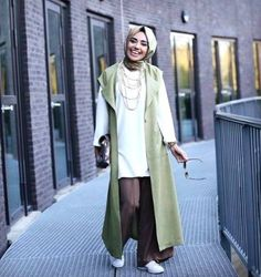 long olive vest hijab outfit- Long cardigans and vests hijab trends http://www.justtrendygirls.com/long-cardigans-and-vests-hijab-trends/