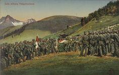 Armée Suisse en treillis kaki au milieu des pâturages #verts pour un rassemblement. Série de carte postale du fonds de la guerre 14-18  #color #couleur #numelyo