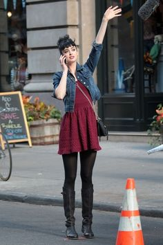 Krysten Ritter in Current/Elliott Denim Jacket 2019 Winter is coming. The post Krysten Ritter in Current/Elliott Denim Jacket 2019 appeared first on Denim Diy. Mode Outfits, Dress Outfits, Casual Outfits, Fashion Outfits, Burgundy Dress Outfit, Denim Jacket Outfits, Burgendy Dress, Denim Jacket Outfit Winter, Black Boots Outfit