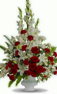 Vintage Flower Arrangements, Funeral Floral Arrangements, Church Flower Arrangements, Beautiful Flower Arrangements, Unique Flowers, Rose Arrangements, Altar Flowers, Church Flowers, Funeral Flowers
