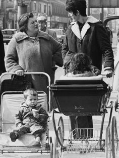 Shirley Baker: Mothers and their Children Stop for a Chat