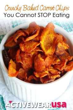 Healthy Crunchy Baked Carrot Chips Recipe - an amazing homemade alternative to potato chips! Seriously - these taste so good and are so easy to make I could not stop nibbling them! Carrot Recipes, Vegetable Recipes, Whole Food Recipes, Vegetarian Recipes, Cooking Recipes, Healthy Recipes, Dinner Recipes, Baked Carrot Chips, Baked Carrots
