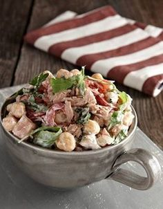 Chickpeas salad with arugula and tuna - www. Cooking Art, Greek Cooking, Lunch Recipes, Salad Recipes, Healthy Recipes, Healthy Cooking, Healthy Eating, Legumes Recipe, Greek Dishes