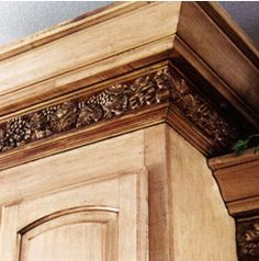 do it yourself cabinet crown molding ideas colored cabinets and countertops - Kitchen Molding Ideas