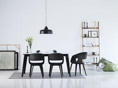 Composizione Tavolo da pranzo Century, sedie Nova e Libreria Wall. Interstil.