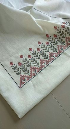 This Pin was discovered by ÖZN Just Cross Stitch, Cross Stitch Borders, Cross Stitch Designs, Cross Stitching, Cross Stitch Embroidery, Hand Embroidery, Cross Stitch Patterns, Embroidery On Kurtis, Embroidery Patterns Free