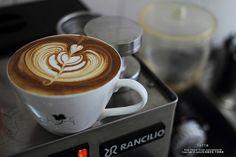 coffeenotes:  LATTE ART by nodie26 on Flickr.