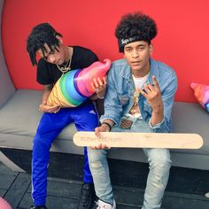 Tweets de Media par Trill Sammy (@TrillSammyy)   Twitter Haircuts For Curly Hair, Curly Hair Styles, Trill Sammy, Man Crush Everyday, Fine Boys, Tomboy Outfits, Chris Brown, Cute Guys, Hair Growth