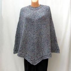 šedivé pončo Ryčně pletené pončo z vlněné zahraniční příze. Pullover, Sweaters, Fashion, Moda, Fashion Styles, Sweater, Fashion Illustrations, Sweatshirts, Pullover Sweaters