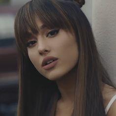 Ariana Grande Tumblr, Ariana Grande Images, Ariana Grande Cute, Ariana Grande Fotos, Ariana Grande Photoshoot, Ariana Grande Bangs, Photo Star, Ariana Video, Photographie Portrait Inspiration