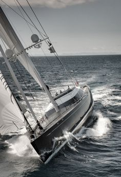 emrayfo:    The fast cruising sloop Kokomo, a 58 metre (191 foot) luxury superyacht