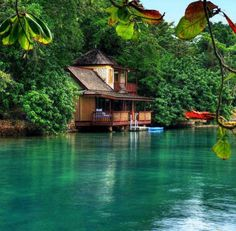 Golden Eye Resort, Jamaica - 14 Amazing Things Made by Human and Nature Together