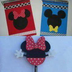 Libretita y lapicero decorado de Minnie Mouse para dar como recuerdos en un cumpleaños temático