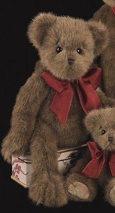 Bearington Bears -Big Hugs 18 inches Traditional Teddy Bear