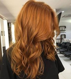Auburn perfection! Who said hair needs to be boring?! This vibrant shade via @romeufelipe is on point. #haircrush #auburnhairlove #maneenvy #hairinspo #hairgoals