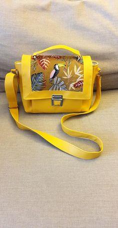 Sac Quadrille en simili jaune et motifs jungle cousu par Claire - Patron Sacôtin