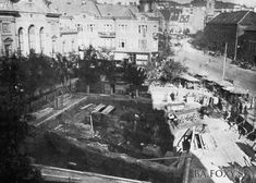 Námestie SNP pred Starou tržnicou Základy kostola Sv. Vavrinca