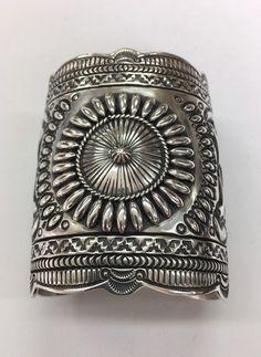 Native American Sterling Silver Navajo Handmade Cuff Bracelet Navajo Artist : D . Becenti