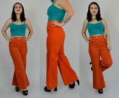 Awesome 1970s flares! Done in a bold orange soft cotton. High waisted fit, button and zipper closure. No pockets. Fitted at hips, wide flare legs. Unlined.  Size: Medium Tag: 13 Brand: Pessano International Excellent Vintage Condition: ♥  Measurements: Waist: 29 Hips: 38 Inseam: 28.5: Length: 13.25 Hem allowance: 2.75  Heathers Measurements: Bust: 37.5 Waist: 29 Hips: 38 Height: 53 T17ORANGE  *Any overpayment exceeding $4 USD will be refunded back to your account.  *All items are measured in…