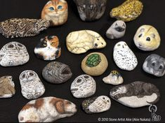 Japanese Artist Turns Stones Into Cute Animals You Can Hold In The Palm Of Your Hand - I Can Has Cheezburger? Painted Rock Animals, Painted Rocks, Work In Japan, Mouse Illustration, Rock Painting Patterns, Pet Rocks, Palm Of Your Hand, Japanese Artists, Pictures To Paint