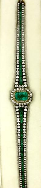 Antique Emerald and Diamond Bracelet. I Love this color it's my Birth Stone I Love Jewelry, Jewelry Box, Jewelery, Fine Jewelry, Jewelry Design, Emerald Jewelry, Emerald Bracelet, Diamond Bracelets, Antique Jewelry