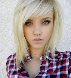 Long bob haircuts with layers. Long bob haircuts for thick wavy hair. Long bob with bangs. Cute long bob haircuts for round faces. Hipster Hairstyles, Hairstyles Haircuts, Pretty Hairstyles, Layered Hairstyles, Hairstyle Ideas, Short Haircuts, Layered Haircuts For Medium Hair With Bangs, Rocker Hairstyles, Teenage Hairstyles