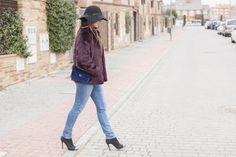 abrigo pelo, sombrero, look casual, denim, camisa vaquera, blog de moda, bloggera
