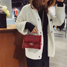 Kelly's Cross-Body Wool Shoulder Bag with Tide Chain – Lassgirl Chain Crossbody Bag, Crossbody Shoulder Bag, Japan Fashion, All Fashion, Womens Fashion, Danish Fashion, Cover Style, Popular Handbags, Purse Styles