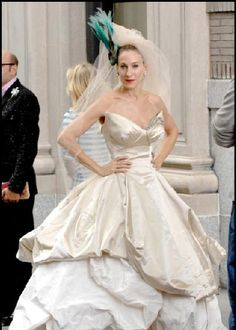 3546e7a02bf8 Miss Carrie Bradshaw doesn t disappoint with this dramatic Vivienne  Westwood gown (Sex in the City)
